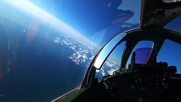Así un MiG-31 ruso 'intercepta' a un intruso en la frontera rusa  - Sputnik Mundo