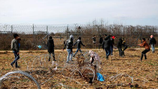 Los migrantes en la frontera turco-griega - Sputnik Mundo