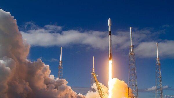 Lanzamiento de un Falcon 9 de SpaceX - Sputnik Mundo