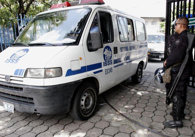 Ambulancia salvadoreña