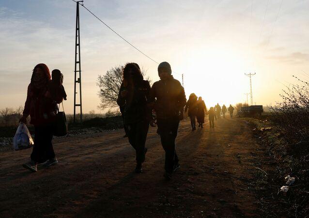 Migrantes en la frontera entre Turquía y Grecia