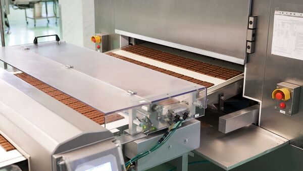 Fabricación del chocolate en la fábrica Krasni Oktiabr - Sputnik Mundo