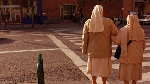 Monjas en el barrio de Embajadores (Madrid) - Sputnik Mundo