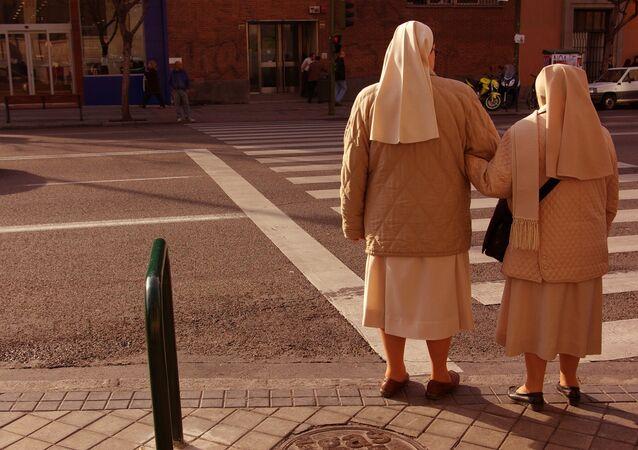 Monjas en el barrio de Embajadores (Madrid)
