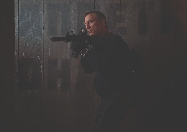 El actor Daniel Craig interpreta el espía James Bond en la nueva película 'No Time To Die'