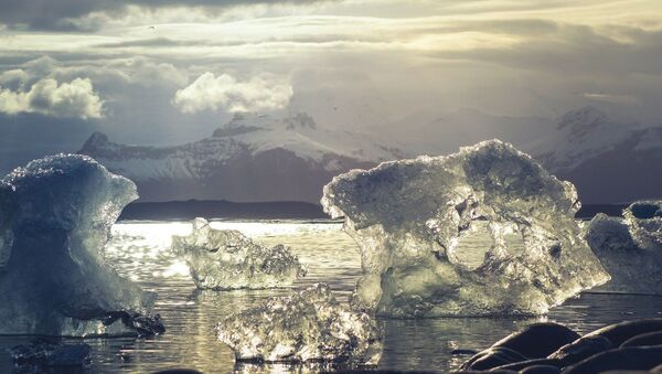 Hielo ártico (imagen referencial) - Sputnik Mundo