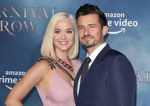 La cantante Katy Perry con su novio el actor Orlando Bloom