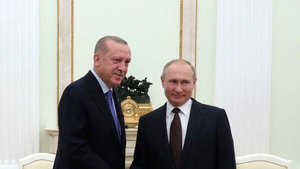 El presidente de Turquía,  Recep Tayyip Erdogan, y el presidente ruso, Vladímir Putin - Sputnik Mundo