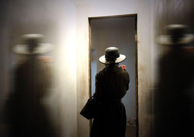 Una mujer frente al espejo (imagen referencial)