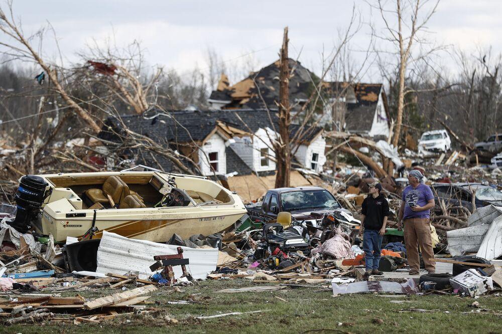 Tornados, natación invernal y coronavirus: las imágenes más impactantes de la semana