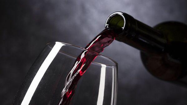 Una copa de vino - Sputnik Mundo