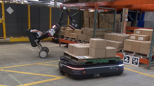 Los robots de Boston Dynamics y OTTO Motors trabajan en un almacén - Sputnik Mundo