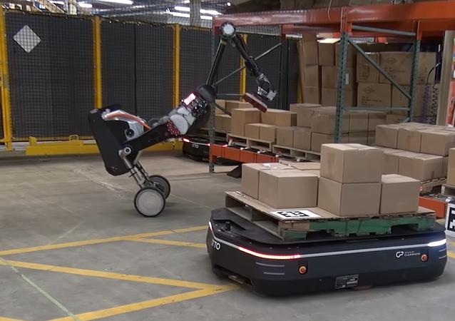 Los robots de Boston Dynamics y OTTO Motors trabajan en un almacén