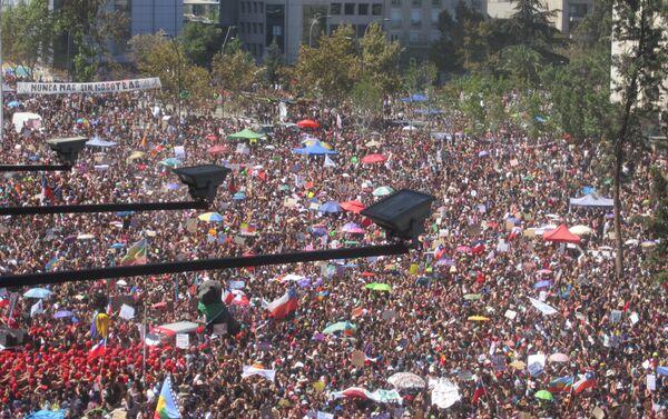 Marcha por el 8M en Santiago de Chile - Sputnik Mundo