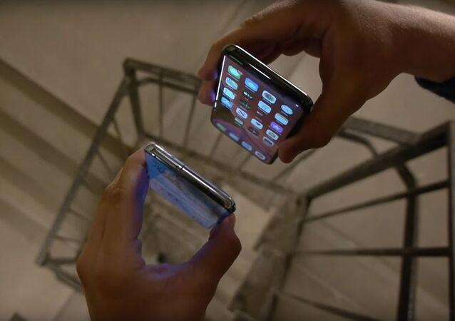 Prueba de choque de un Samsung S20 y un iPhone 11 Pro