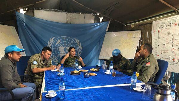 La militar uruguaya Valeria Rodríguez junto a otros efectivos en la misión de paz en la República Democrática del Congo - Sputnik Mundo
