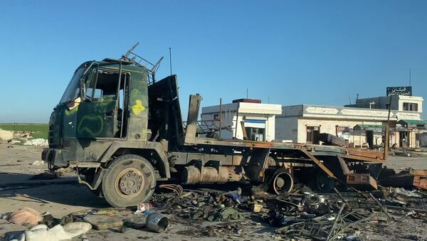 Un camión destrozado en Siria (imagen referencial) - Sputnik Mundo
