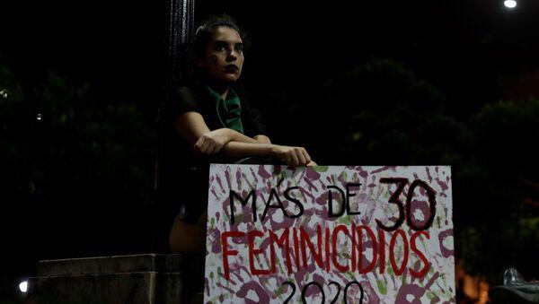 Protesta conra feminicidios en Perú - Sputnik Mundo