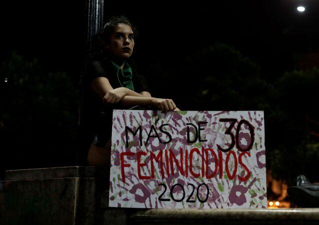 Protesta conra feminicidios en Perú