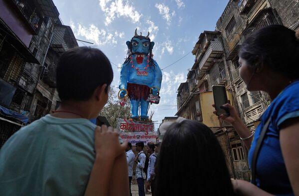 Los espectaculares colores de Holi, el festival hindú de primavera  - Sputnik Mundo