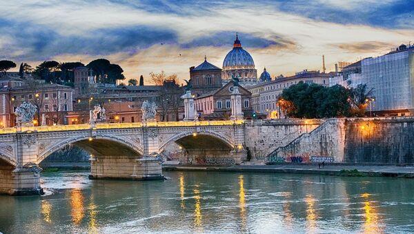 Un puente en Italia  - Sputnik Mundo