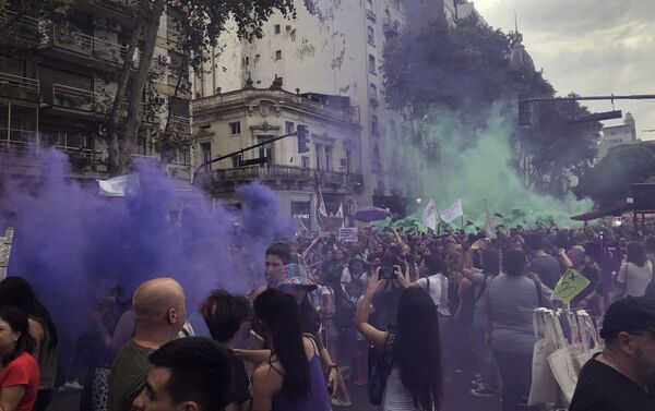 Movilización de Mujeres hacia el Congreso de la Nación el 9 de marzo en Buenos Aires, Argentina - Sputnik Mundo