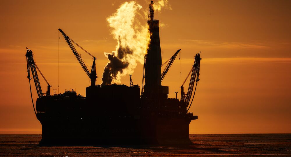 Una plataforma de extracción de petróleo en el mar