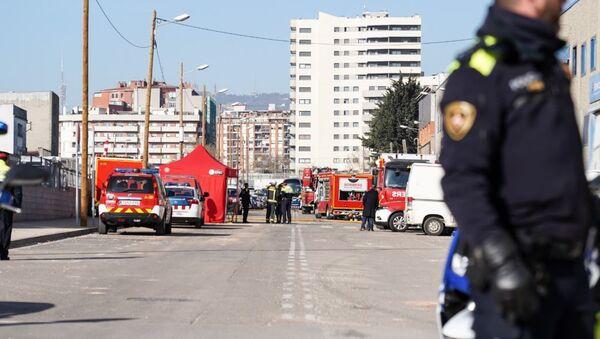 La situación en el lugar de la explosión cerca de la planta química en Barcelona - Sputnik Mundo
