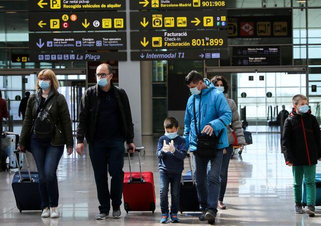 Los viajeros en el aeropuerto de Barcelonaa