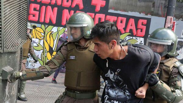 Protestas contra el Gobierno de Sebastián Piñera en Chile - Sputnik Mundo