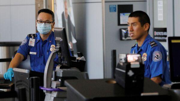 Personal de un aeropuerto (imagen referencial) - Sputnik Mundo