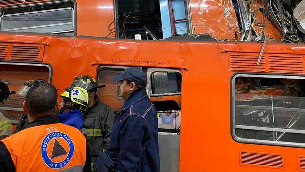 Choque de trenes en el metro de la Ciudad de México - Sputnik Mundo