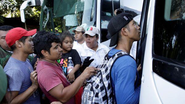 Migrantes mexicanos - Sputnik Mundo