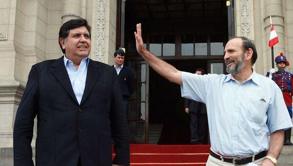 El expresidente peruano Alan García, junto a su primer ministro Yehude Simon  - Sputnik Mundo