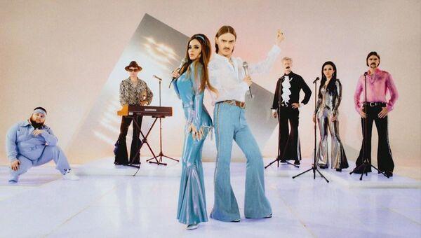 El vídeo de la canción 'Uno' del grupo ruso de música 'rave' Little Big - Sputnik Mundo