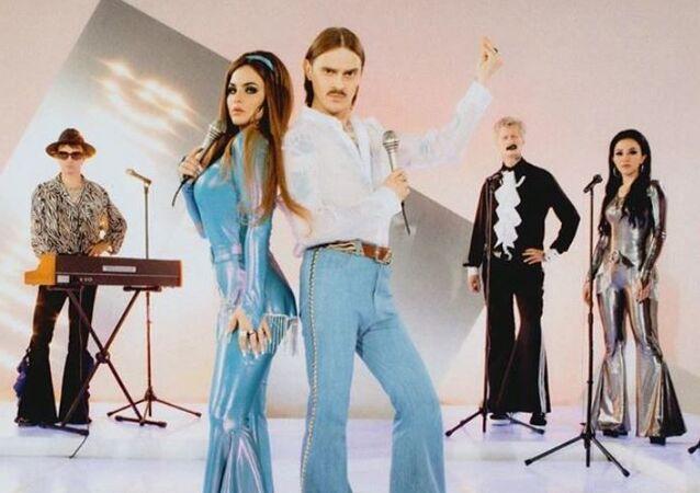 El vídeo de la canción 'Uno' del grupo ruso de música 'rave' Little Big