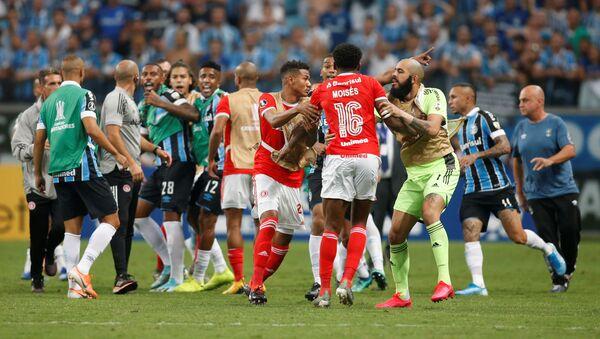 El partido entre Gremio e Internacional en la Copa Libertadores - Sputnik Mundo