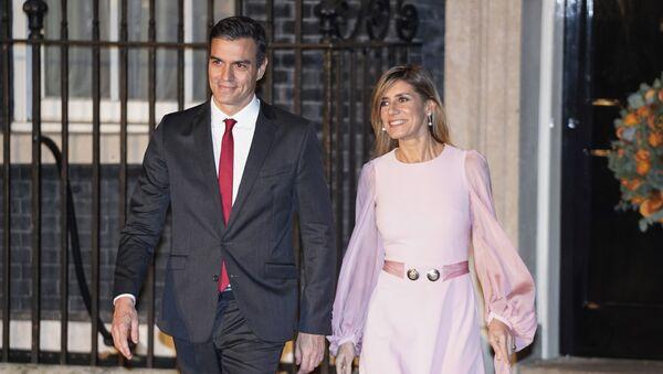 Pedro Sánchez, presidente del Gobierno español, con su esposa María Begoña Gómez Fernández - Sputnik Mundo