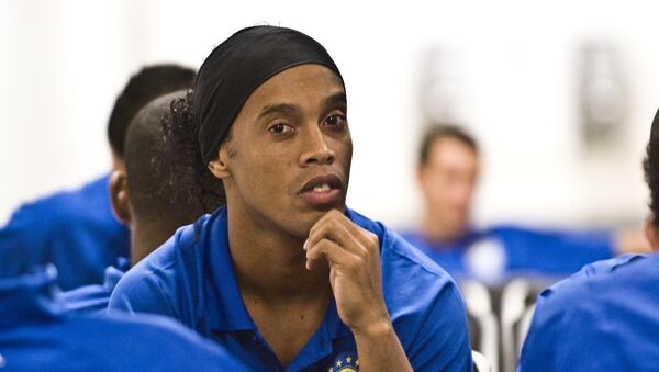 El exfutbolista brasileño Ronaldinho (archivo) - Sputnik Mundo