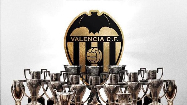 El logo del club Valencia C.F. - Sputnik Mundo