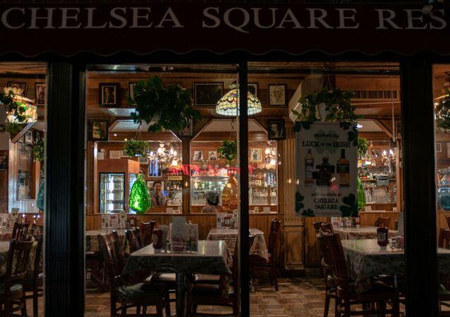 Restaurante vacío en Manhattanen Nueva York, EEUU