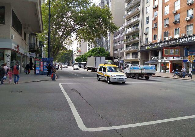 La Avenida 18 de Julio de Montevideo durante la pandemia por coronavirus