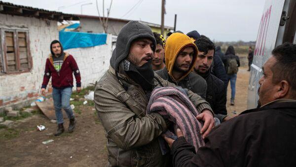 Migrantes en la frontera greco-turca - Sputnik Mundo