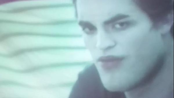 Esto es lo que pasa cuando ves 'Twilight' en una pantalla arrugada  - Sputnik Mundo