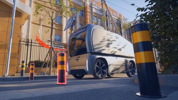 Vehículo autónomo de la empresa china Neolix Technologies - Sputnik Mundo