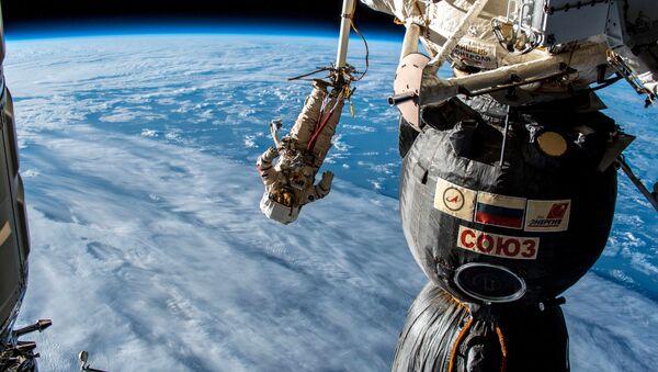Los que dieron el paso hacia el abismo: Alexéi Leónov y sus sucesores   - Sputnik Mundo