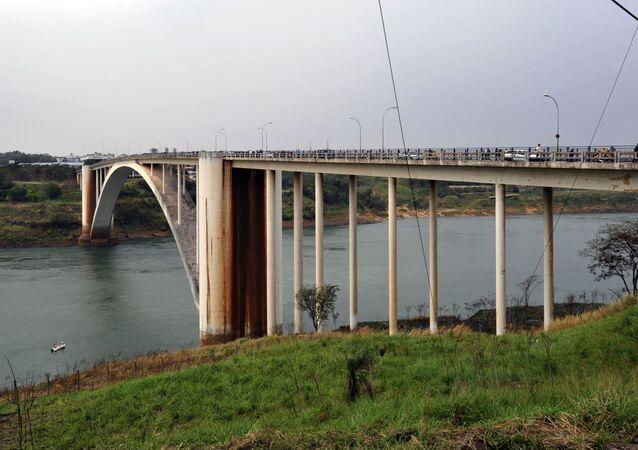 El Puente de la Amistad entre Paraguay y Brasil