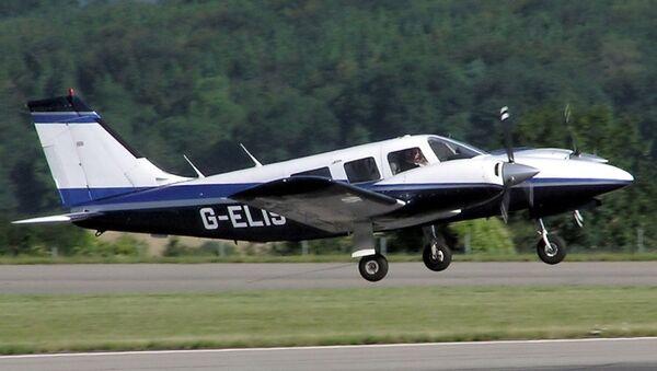 Un Piper PA-34 Seneca - Sputnik Mundo