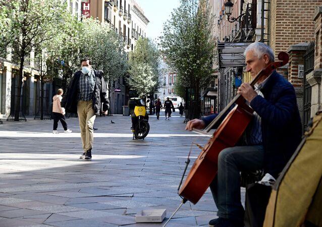 Músico en la calle Arenal de Madrid