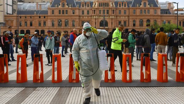 Limpieza con desinfectantes en Buenos Aires, Argentina - Sputnik Mundo